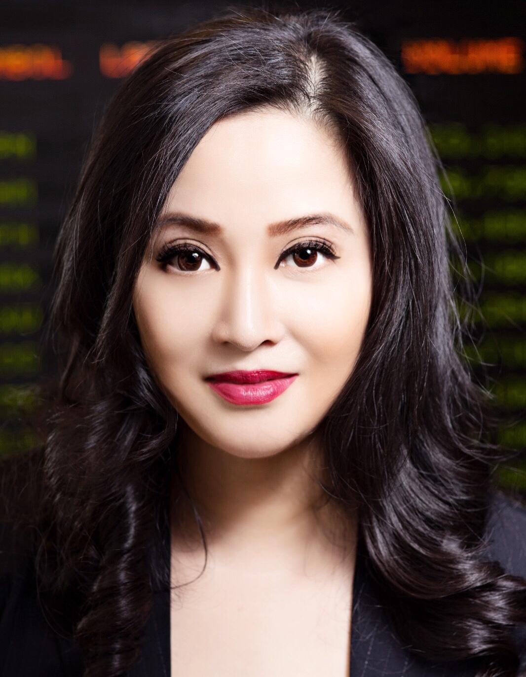 Julia Yan, President